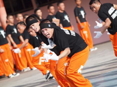 囚人ダンス-06.jpg