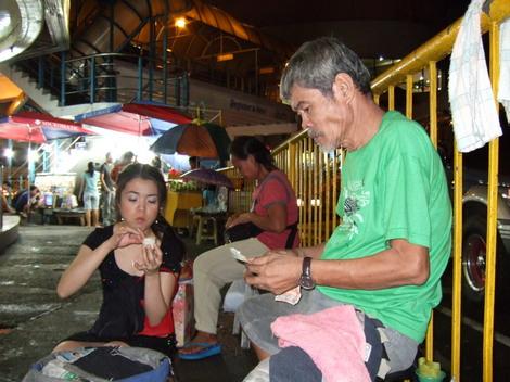 フィリピン屋台・庶民の味『バロット』