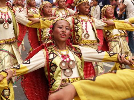 フィリピンセブ島・シヌログ祭り