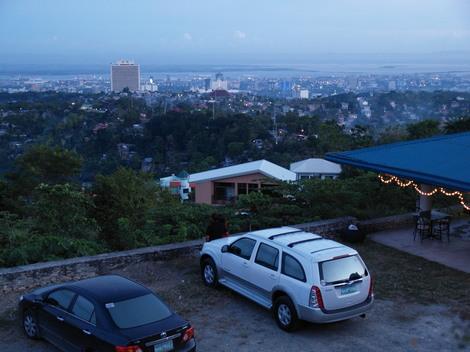 フィリピン・セブの夜景の綺麗なレストラン「MR.A」から見た景色
