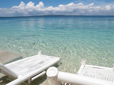 パンダノン島(Pandanon) 海辺のペアシート
