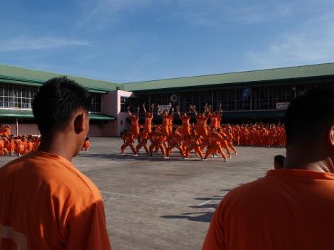 囚人ダンス010