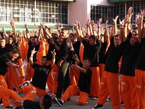 囚人ダンス053